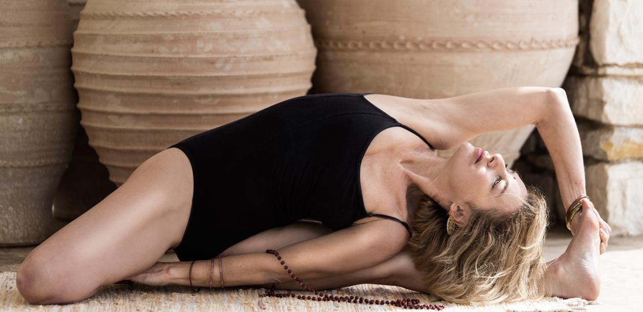 Irana JiAn www.anapnoeyoga.com Paros Yoga Shala Greecewww.anpnoeyoga.com-teacher training hatha vinyasa-Irana JiAn Fouroulis Paros-Greece-